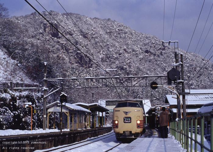 雪晴れと国鉄色と_d0309612_001922.jpg