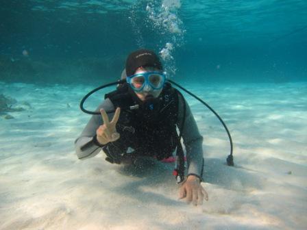キレイな海で体験ダイビング☆_a0189838_2352498.jpg