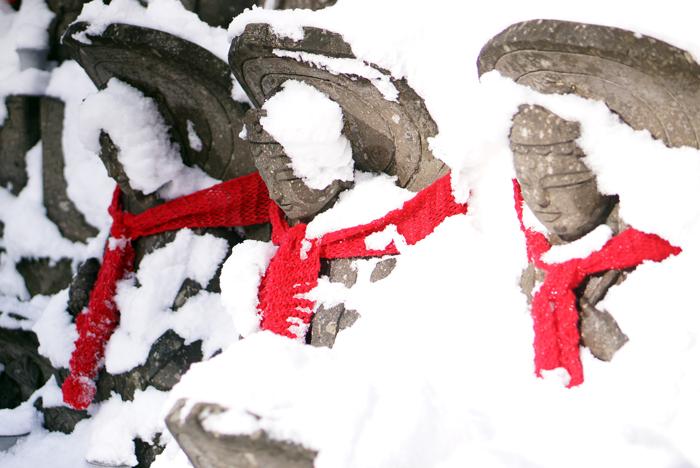 雪地蔵_c0182775_1714714.jpg