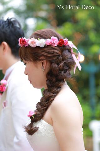 ピンク色の花冠 華やかな花エプロンにあわせて_b0113510_1959097.jpg