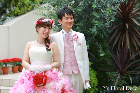 ピンク色の花冠 華やかな花エプロンにあわせて_b0113510_19591096.jpg