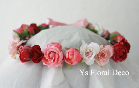 ピンク色の花冠 華やかな花エプロンにあわせて_b0113510_19591689.jpg
