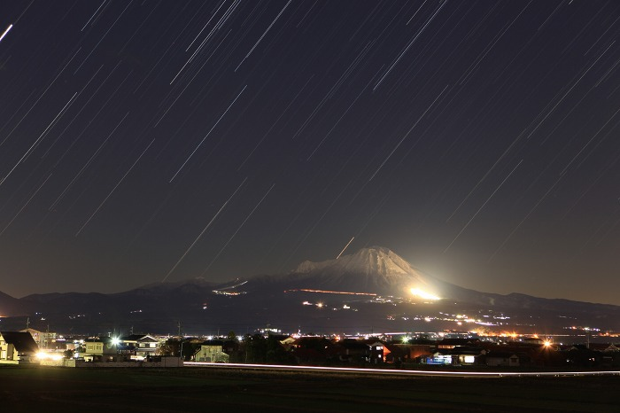 大山の夜_a0294534_1611308.jpg