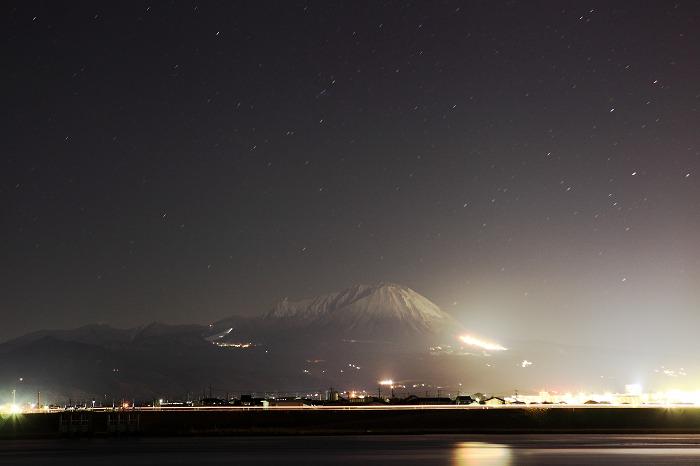 大山の夜_a0294534_1672663.jpg