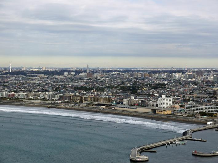 江の島シーキャンドル(展望灯台)から日光・男体山が見える_c0014967_1804488.jpg
