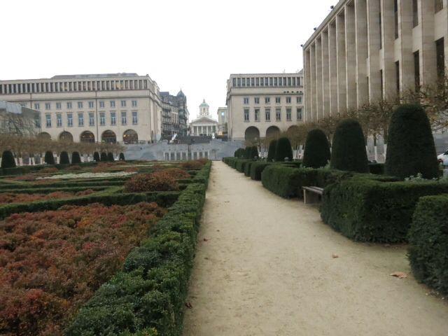 ブリュッセル市街、王宮など_e0233674_11541847.jpg