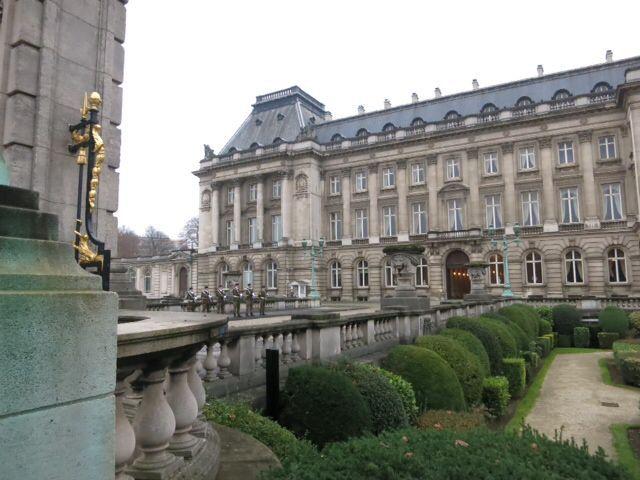 ブリュッセル市街、王宮など_e0233674_11542337.jpg