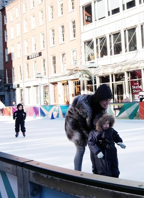 冬のサウス・ストリート・シーポート、初心者向けスケート・リンクあります_b0007805_2338478.jpg