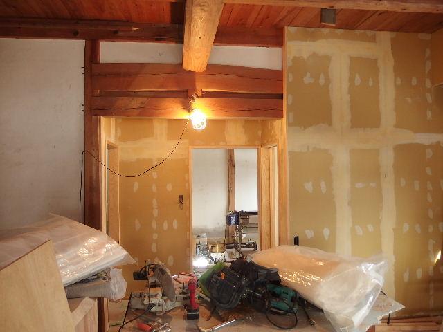 納屋のリフォーム 工事進行中です。_f0105112_6554072.jpg