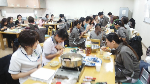 火曜日朝教室 <世界の鍋料理>_e0175020_18102559.jpg