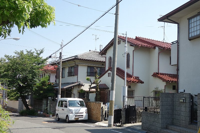 千里丘の住宅街を歩く_c0112559_8395999.jpg