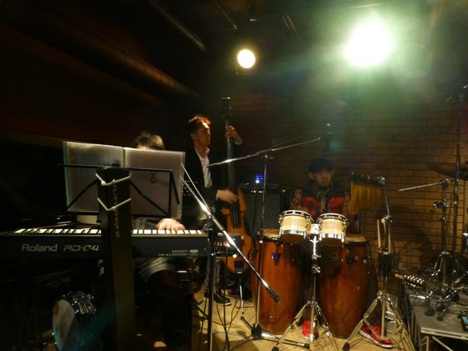 2014年のカラフル年末2デイズライブ、初日のライブレポ♪_e0188087_22112850.jpg