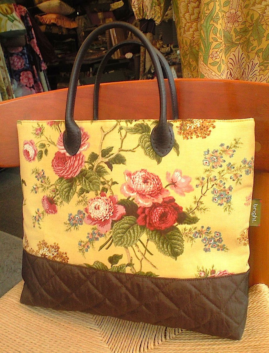 US花柄とキルティングのバッグ_c0157866_1765154.jpg
