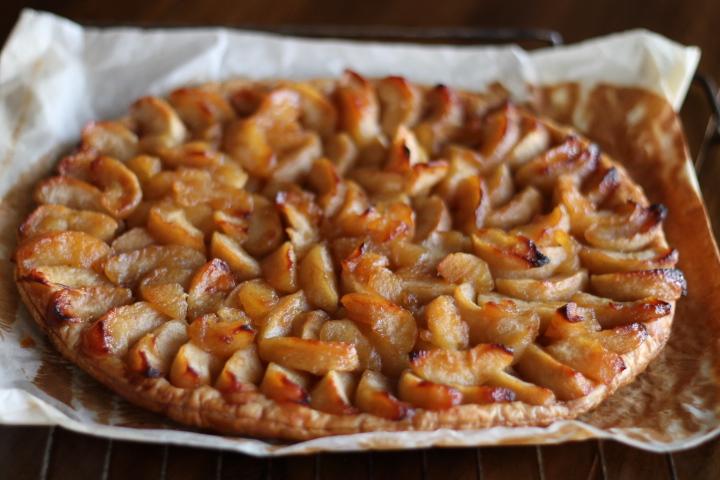 tarte aux pommes タルトオポンム/ アップルパイ_f0136579_333212.jpg