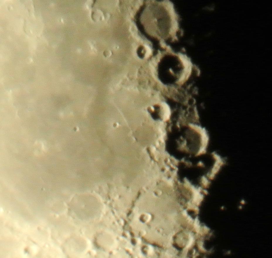 2015年1月13日、未明の月からクラヴィウスクレーター&直線壁_e0089232_08400163.jpg