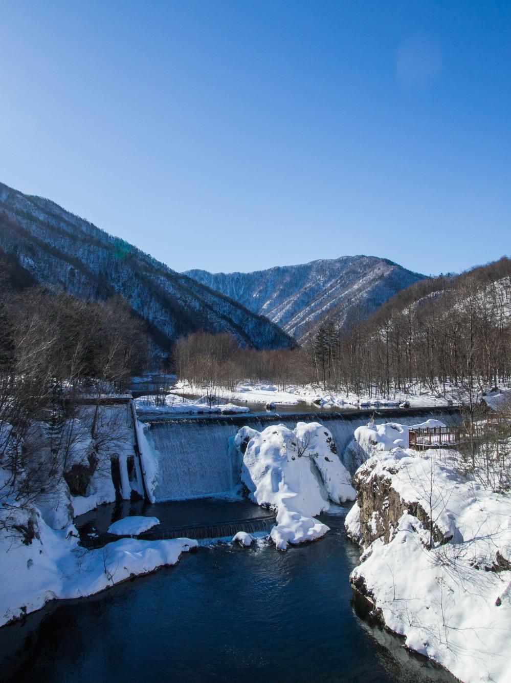 """厳冬期・・""""日高山脈の朝焼け""""と""""凍てつくピョウタンの滝""""_f0276498_11494556.jpg"""
