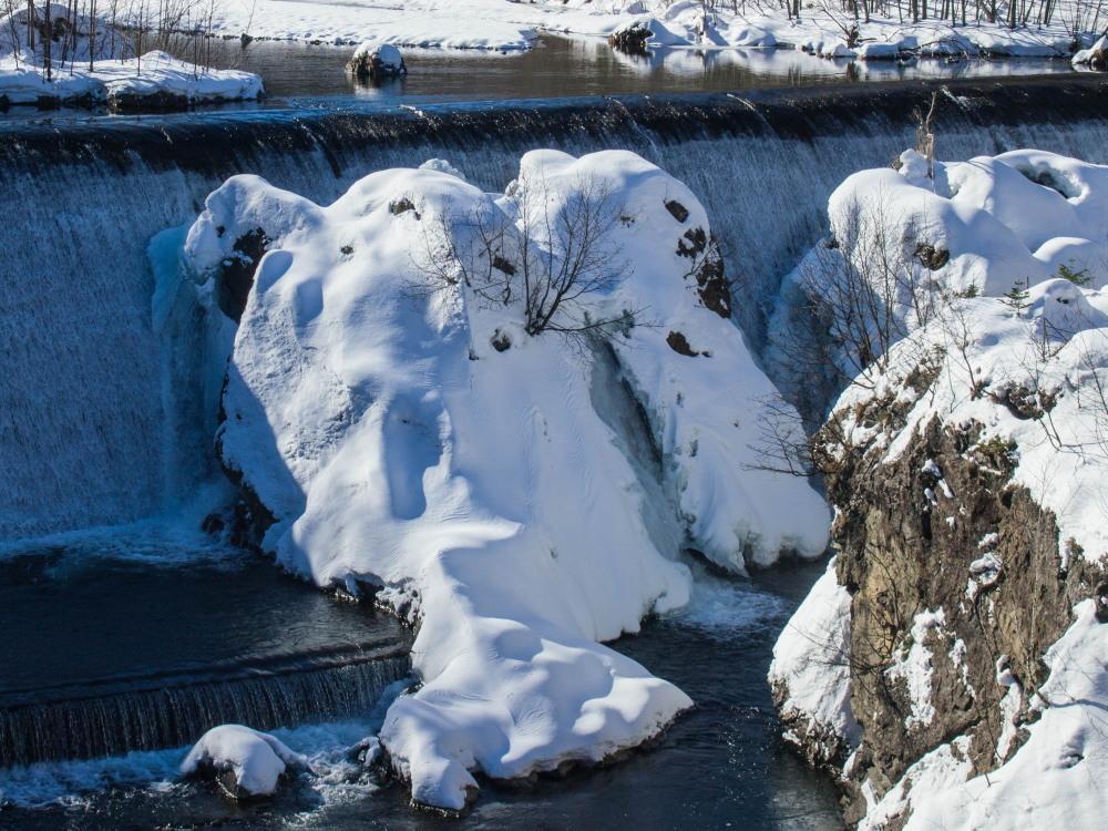 """厳冬期・・""""日高山脈の朝焼け""""と""""凍てつくピョウタンの滝""""_f0276498_11500065.jpg"""