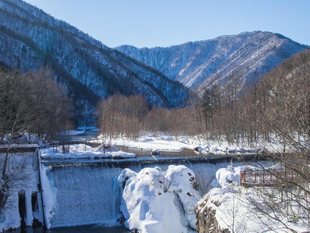 """厳冬期・・""""日高山脈の朝焼け""""と""""凍てつくピョウタンの滝""""_f0276498_11501655.jpg"""