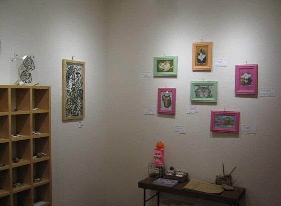 たまごの工房企画展 「 高円寺裏通り猫 展 」 その2_e0134502_17273350.jpg