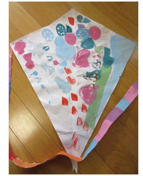 お野菜ぺたぺた凧作り・幼児クラス(比良)_f0211514_19518100.jpg