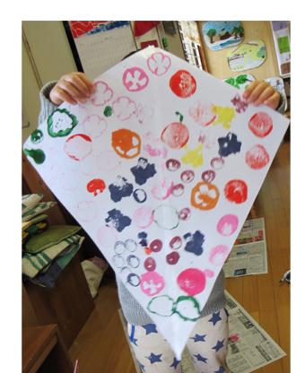 野菜スタンプの凧作り・幼児クラス(上高野)_f0211514_19583472.jpg