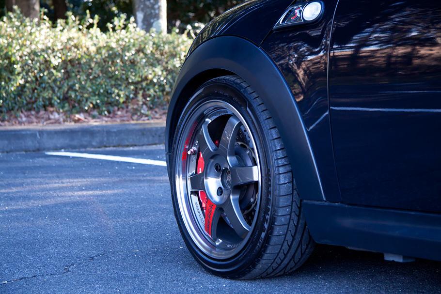 09y MINI Cooper S 6AT カスタム装備多数!入庫しました!_c0317377_20535653.jpg