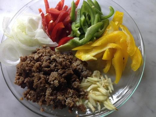 挽肉丼の挽肉は便利です_a0136671_032623.jpg