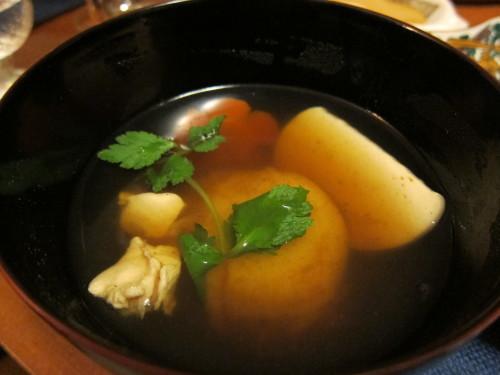 日本橋で買ってきた漆のお椀で、今年のお雑煮・・_d0240098_22273415.jpg