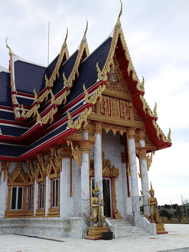 ヤムの会ミニトリップ、タイ寺院ワット・パクナム参拝とタイ料理クルワ・リム・ターン_c0030645_12151684.jpg