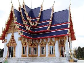 ヤムの会ミニトリップ、タイ寺院ワット・パクナム参拝とタイ料理クルワ・リム・ターン_c0030645_12154197.jpg