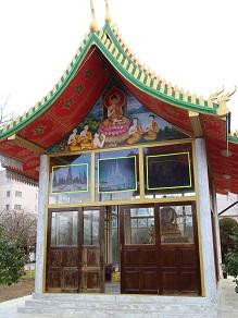 ヤムの会ミニトリップ、タイ寺院ワット・パクナム参拝とタイ料理クルワ・リム・ターン_c0030645_1223612.jpg