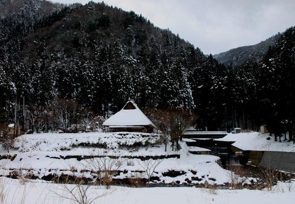 葛川かやぶきの家 雪の中_e0048413_1757761.jpg