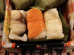 壽初春大歌舞伎 女暫に柿の葉寿司を持っていきました_c0030645_20194220.jpg
