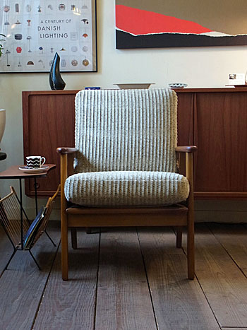 Easy chair_c0139773_1811411.jpg