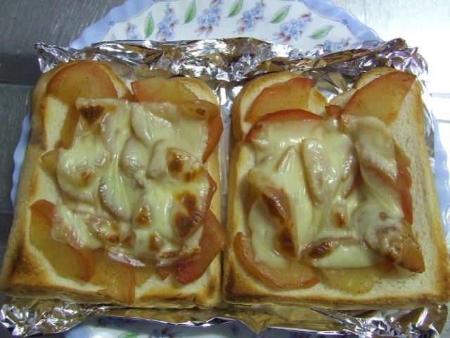 アップルチーズトースト_f0019498_7131636.jpg