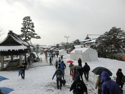 雪の善光寺_f0019247_22342960.jpg