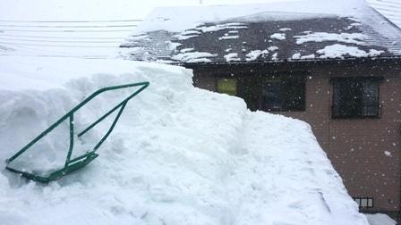 南魚沼市で雪尾落とし!_a0128408_1758776.jpg