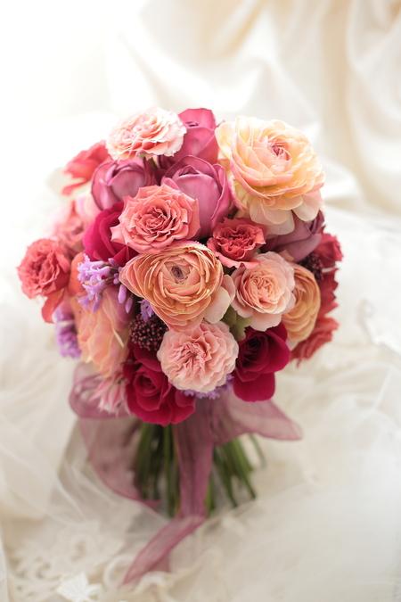 クラッチブーケ 帝国ホテル様へ ブーケを二つの押し花に クランベリーレッドのドレスに_a0042928_012743.jpg