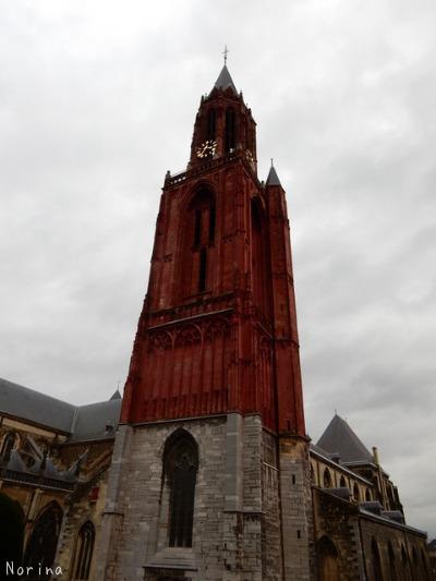 ベルギー・オランダの旅2~大聖堂、教会オンパレード_e0326953_1231565.jpg