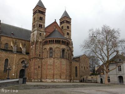 ベルギー・オランダの旅2~大聖堂、教会オンパレード_e0326953_12323794.jpg