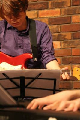 2015/1/21「BEAT ONのギター講師はお茶目!?」_e0242155_22131659.jpg