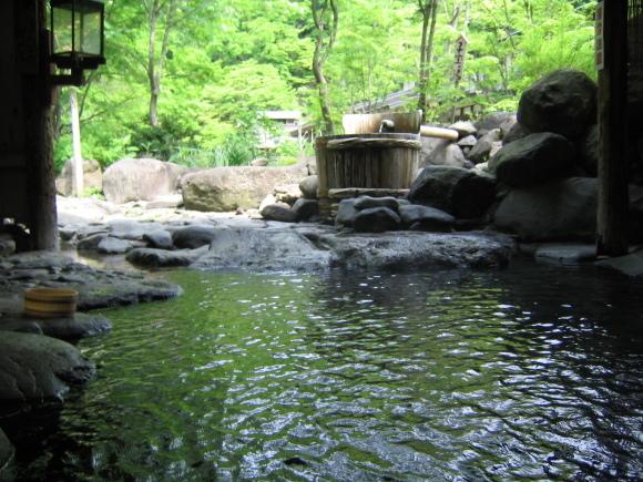 温泉の恋しい季節です!_c0310571_08325595.jpg
