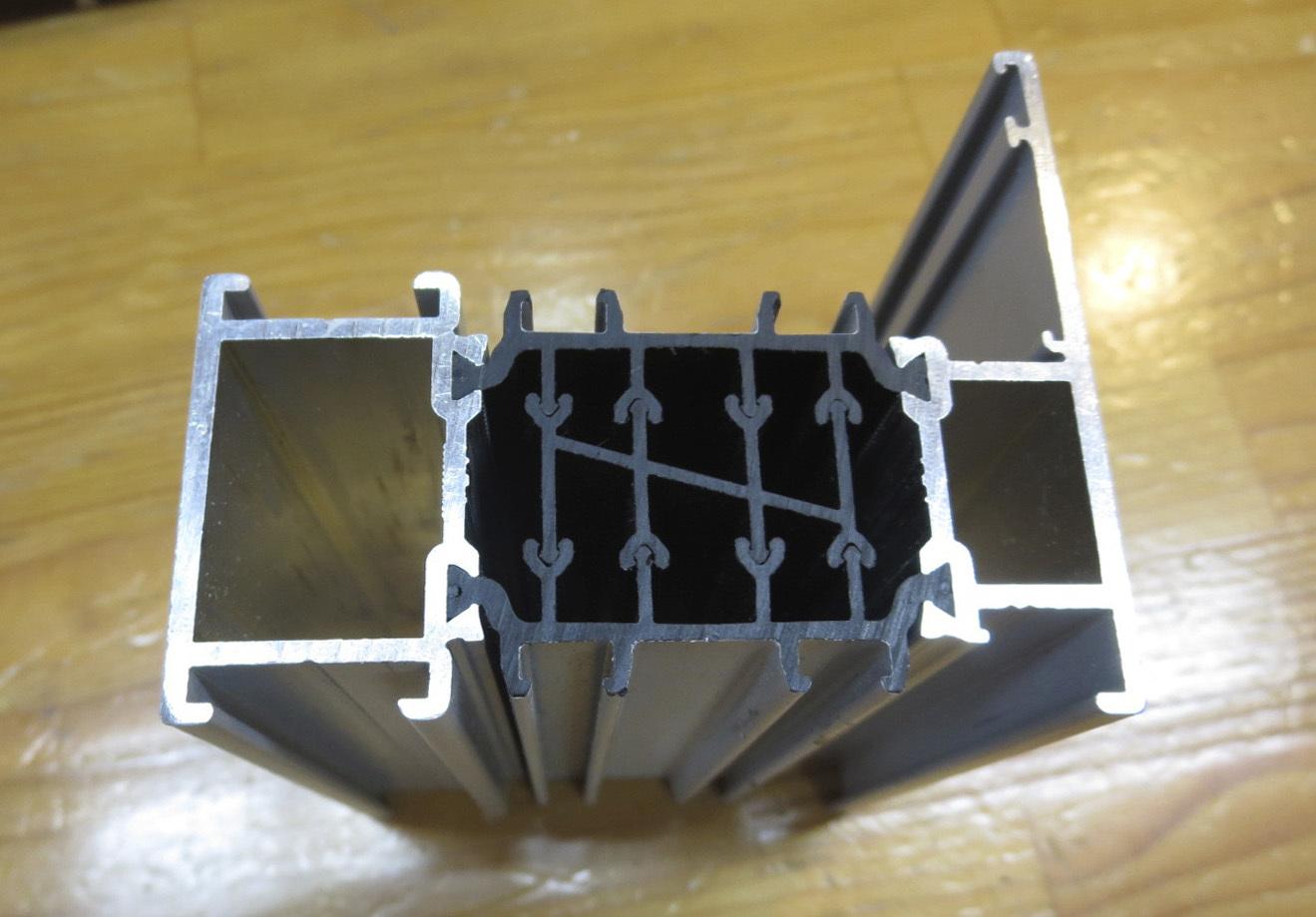PWJ秋田 2:中国アルミサッシ樹脂ブリッジ_e0054299_16364408.jpg
