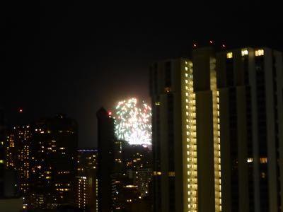 14〜15年末年始ハワイ 4★アラモアナホテルのお部屋 年末は高さが大事!_d0285416_19265096.jpg