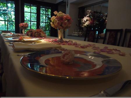 花に囲まれてランチを シェ松尾松濤レストランでの一会生徒さん作品展のお知らせ_a0042928_19442025.jpg
