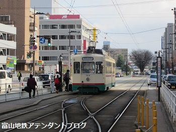 市内電車の乗り場~電鉄富山駅から乗る場合~_a0243562_11131741.jpg
