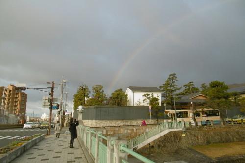 虹を見ました。_f0205367_15025692.jpg