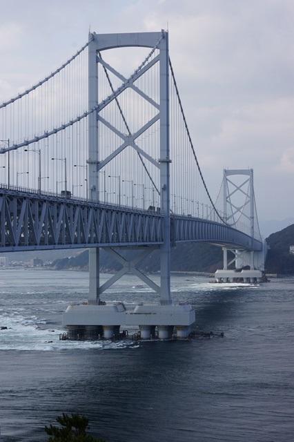 驚愕の鳴門の渦潮そして美しい瀬戸大橋・鳴門大橋、鳴門大橋の渦潮_d0181492_19404330.jpg