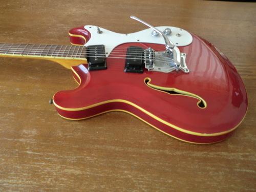 今日のマイギター_e0119092_14351114.jpg