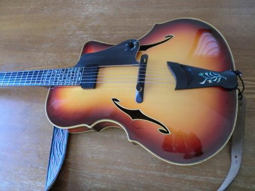 今日のマイギター_e0119092_14455989.jpg